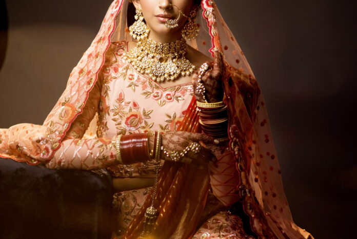 Why does a woman wear jewelry? Importance of jewelry